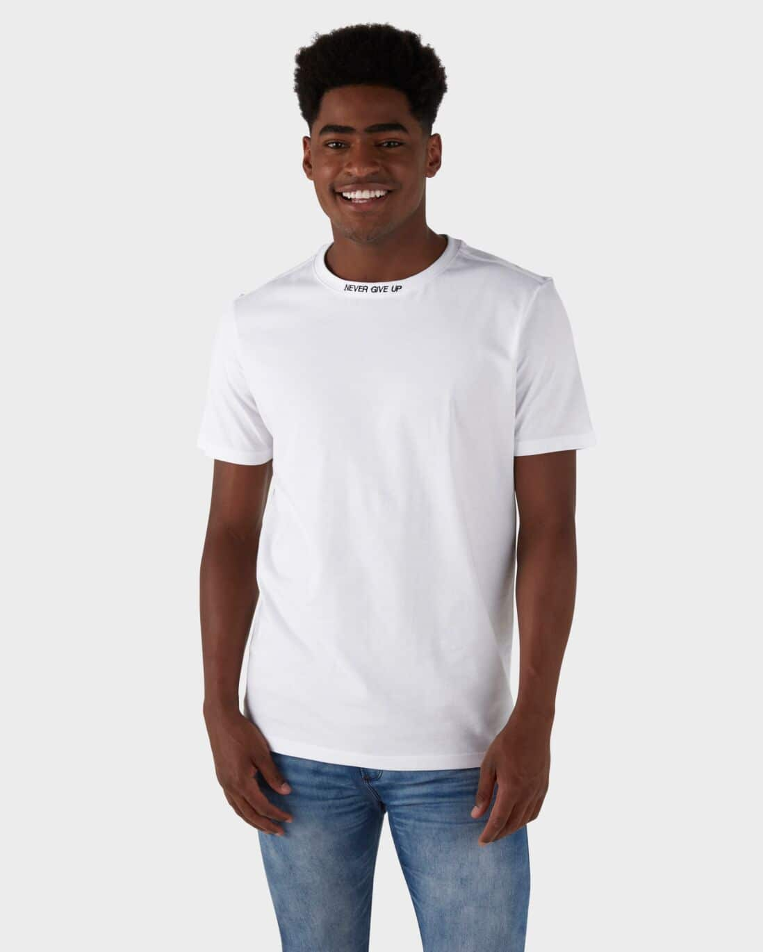 Camiseta Never Give Up - Branco