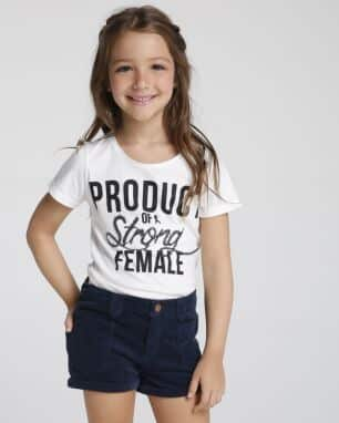 blusa product of a strong female foto: still